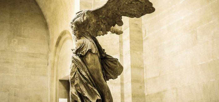 在卢浮宫拍音乐短片