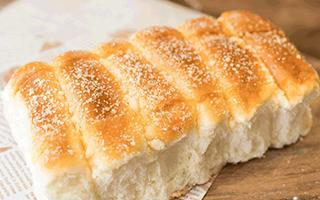把火锅底料塞进面包