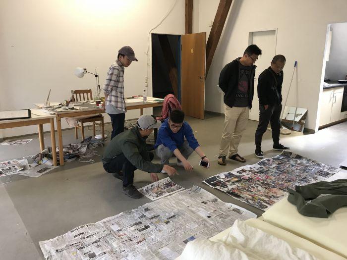 9策展人到访艺术家工作室询问作品进度