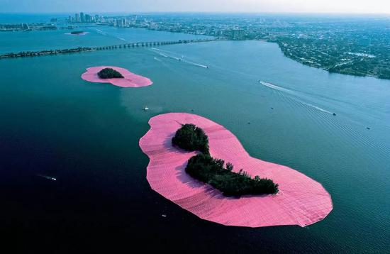 Surrounded Islands, Biscayne Bay, Greater Miami, Florida, 1980-83 Photo: Wolfgang Volz ? Christo
