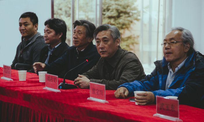 """3文化部艺术发展中心主任刘占文先生作""""美丽塞罕坝""""春季写生讲话"""