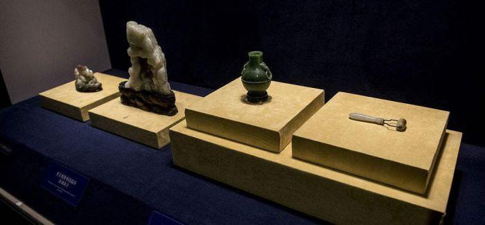 故宫养心殿文物在山东博物馆拆箱布展