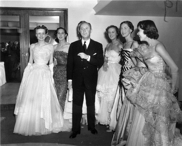Christian Dior先生和模特们 图片来自品牌