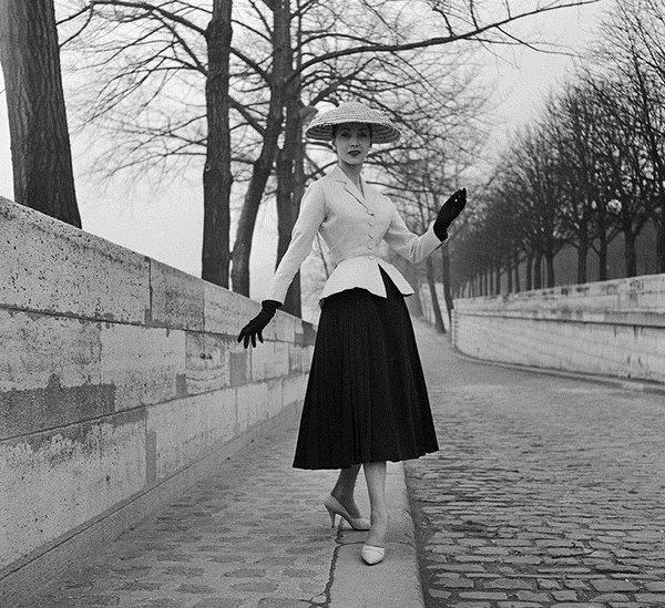 "Christian Dior先生的""New Look"" 图片来自品牌"