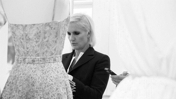 现任设计总监Maria Grazia Chiuri也是Dior第一位女设计总监 图片来自品牌