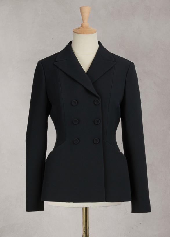 如果你是骨灰级粉丝,这件外套你值得拥有,永不过时 图片来自品牌