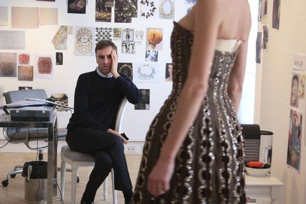 Raf Simons时期Dior走的是极简风格 图片来自品牌
