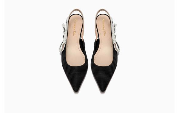 J'ADIOR刺绣饰带露跟芭蕾舞鞋 图片来自品牌