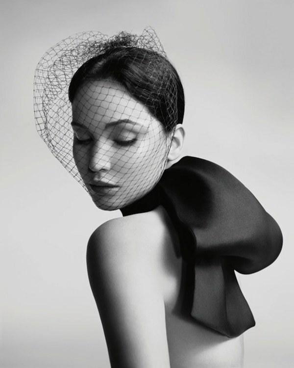 詹妮弗劳伦斯为Dior拍摄广告大片 图片来自品牌