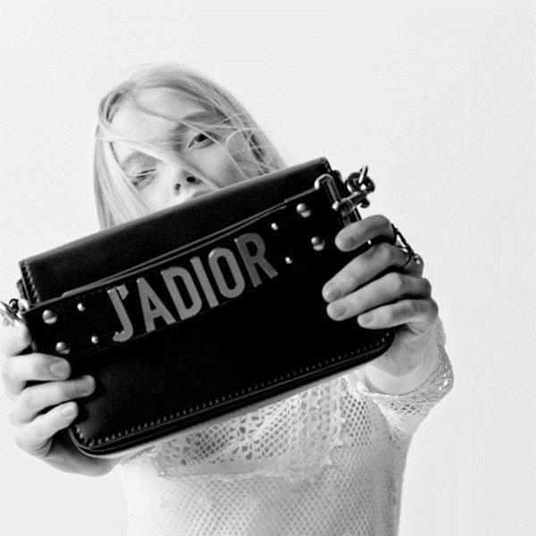 J'ADIOR包包款式也挺多的 图片来自品牌