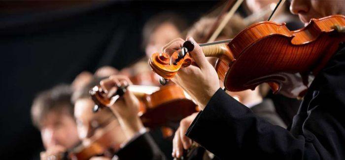 """英国古老交响乐团重新演绎""""披头士""""经典作品"""