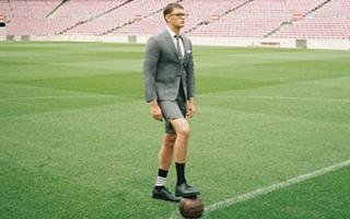 足球与西服的激情碰撞