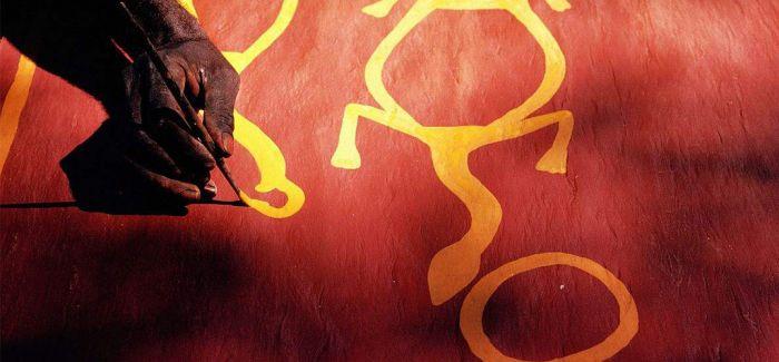 澳大利亚树皮画走出国门 亮相中国国家博物馆