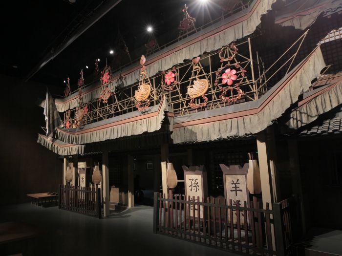 """6、孙羊店是《清明上河图》中最华丽的建筑,是一家""""正店""""。制作团队将这座孙羊店立体化了,让我们可以走进画面之中,感受宋代酒楼之中的热闹氛围。"""