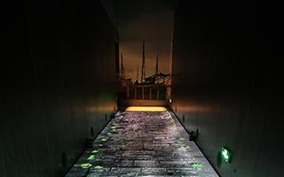 """《清明上河图》LED地屏全感官互动体验区""""雨巷"""""""