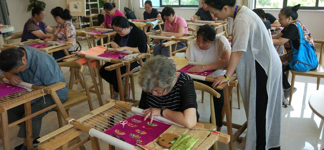 """白俄汉学家:中国文化是一条独特的""""丝绸之路"""""""