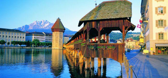 卡佩尔桥 700年的中古情怀