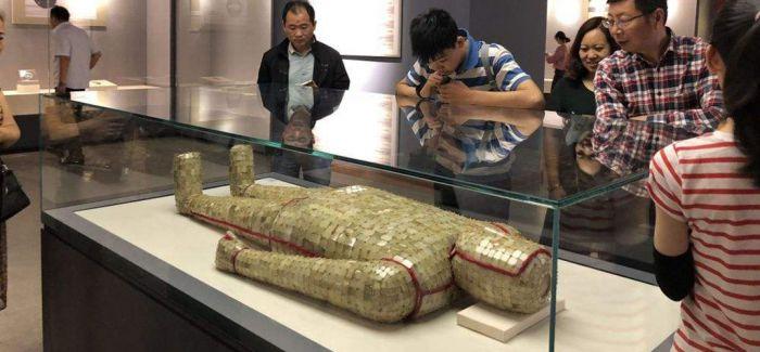 金缕玉衣以及其他逾百件汉代楚国文物首现新疆