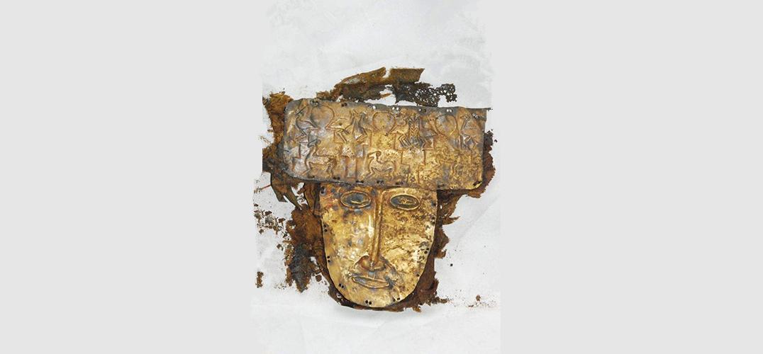 西藏阿里首次展出黄金面具等珍贵文物