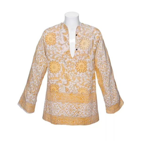 滚石乐队的长袖棉质束身外衣,印有黄色花朵、叶子和叶状图案;以及一条黄色的棉质围巾。米克·贾格尔于1960年代末曾穿戴过的外衣和围巾,后来他将它们赠送给斯坦·克洛索夫斯基·德罗拉王子。2012年6月12日在佳士得伦敦以23,750英镑成交