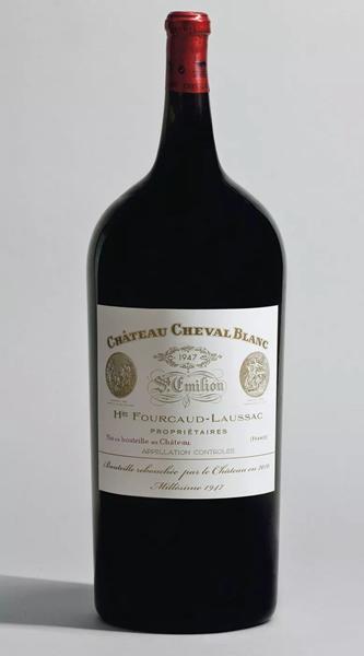 白马酒庄,1947年。2010年11月16日在佳士得日内瓦以298,500瑞郎成交