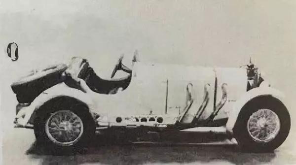 1930年款梅赛德斯奔驰SSK系列双座赛车。1973年在佳士得日内瓦以240,000瑞郎成交