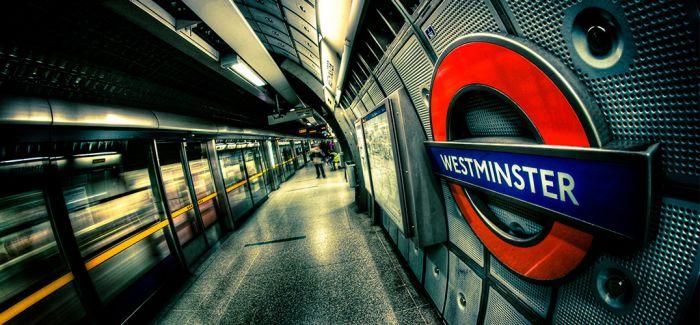 """伦敦""""地铁图""""  串联世纪变迁"""