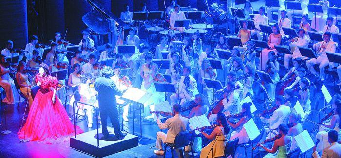 第十三届全国声乐展祝改革开放40周年