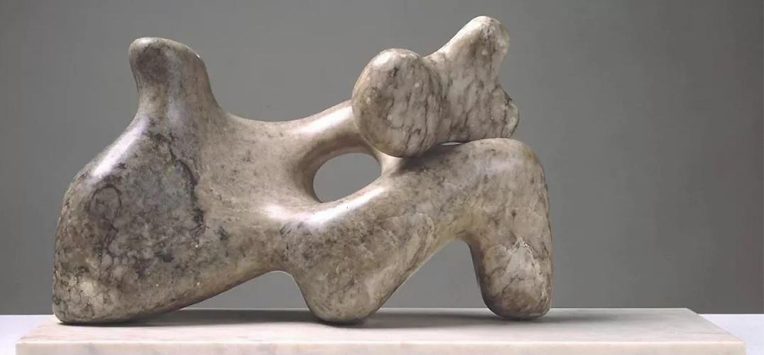 抽象赋予雕塑更加纯粹的灵魂