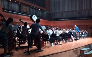"""亚洲青年管弦乐团百人""""献艺""""西安"""
