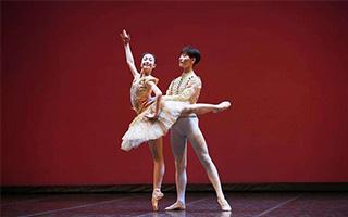 第六届上海国际芭蕾舞比赛落幕