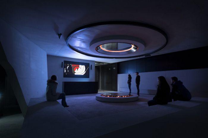 james-bond-exhibit-solden-2