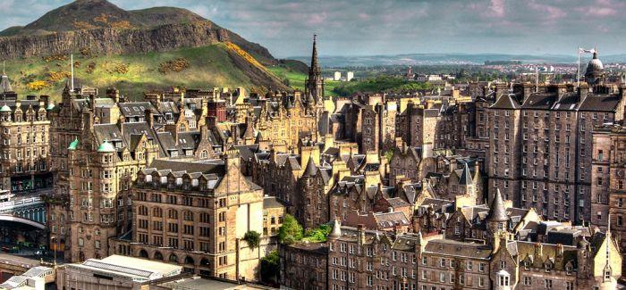 8月的爱丁堡是艺术世界的中心