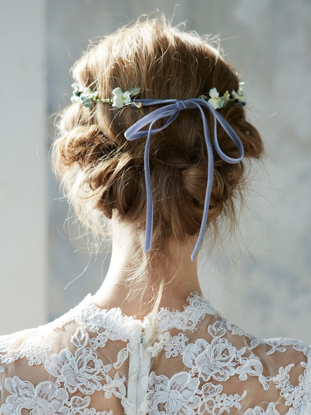 thefemin-unconventional-bridal-hair-accessories-08