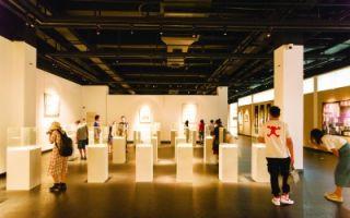 首届全国工艺美术作品展专注创新
