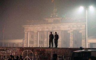 """""""重建""""柏林墙 参观还得买""""签证"""""""