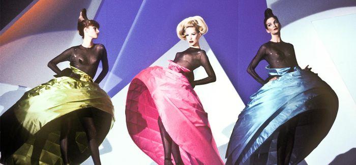 """创造服装设计的""""异世界"""""""