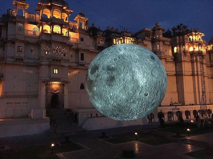 museum-of-the-moon-installation-art-luke-jerram-2