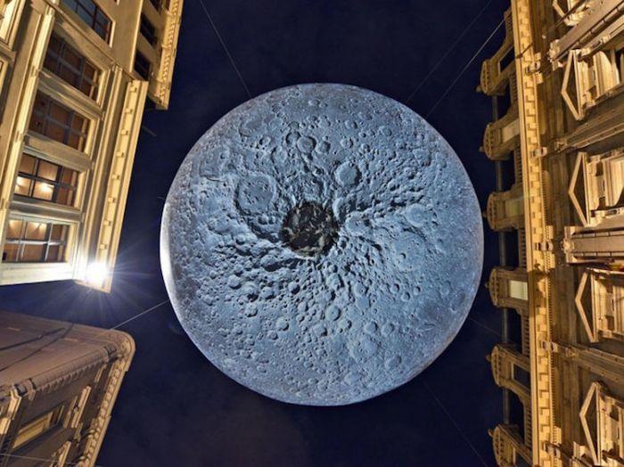 museum-of-the-moon-installation-art-luke-jerram-4
