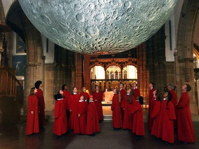 museum-of-the-moon-installation-art-luke-jerram-3