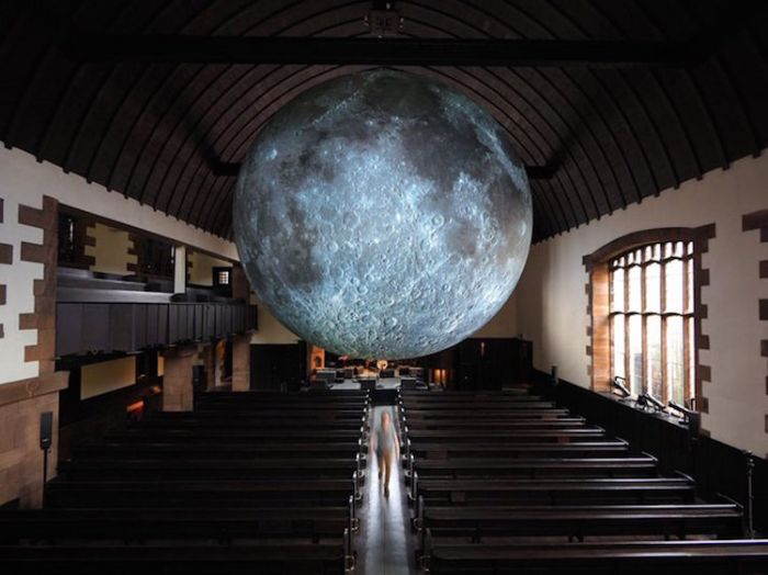 museum-of-the-moon-installation-art-luke-jerram-5