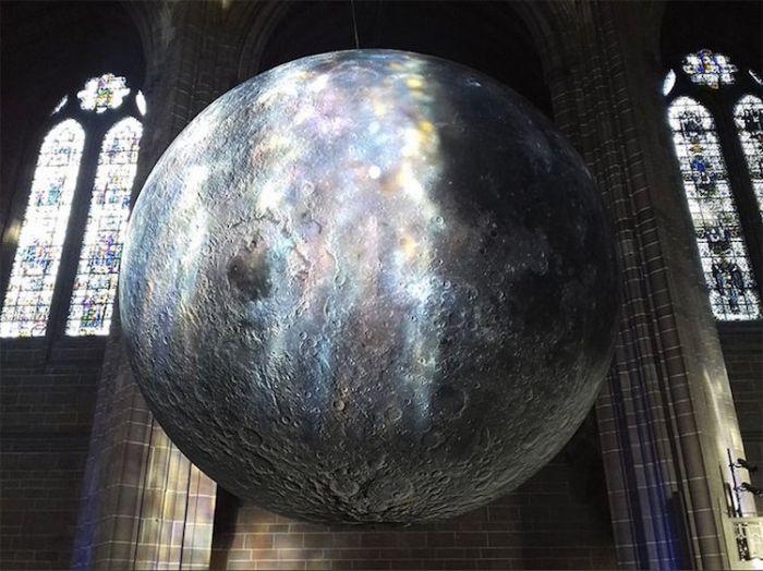 museum-of-the-moon-installation-art-luke-jerram-10