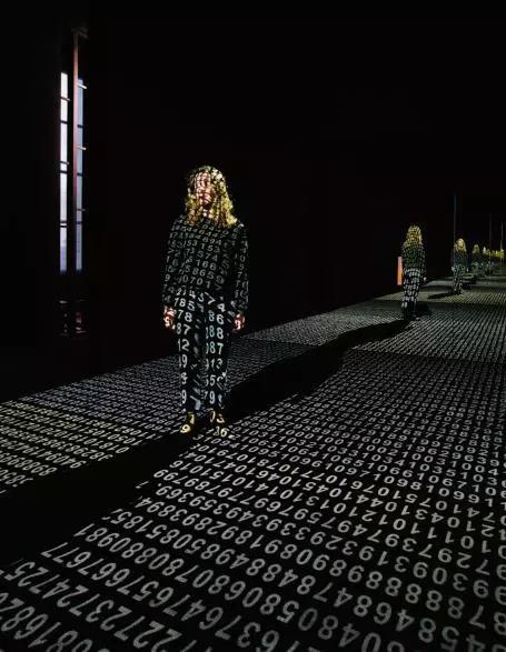 艺术家与机器人,关于人类未来的思考