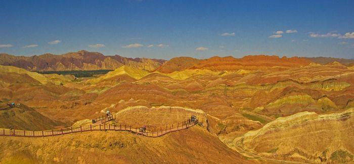 旅游要与文化及其他产业广泛融合