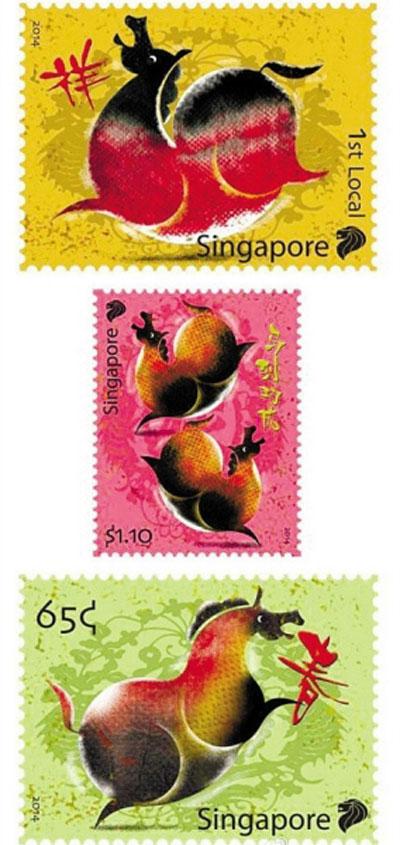 马年即将到来,新加坡新邮政今年推出的马年邮票,却因马儿形体设计圆润引来非议。有人认为马儿过于肥胖让人误以为是猪,而圆鼓鼓的橙红色设计,更让肥马看起来像是烧鸡。
