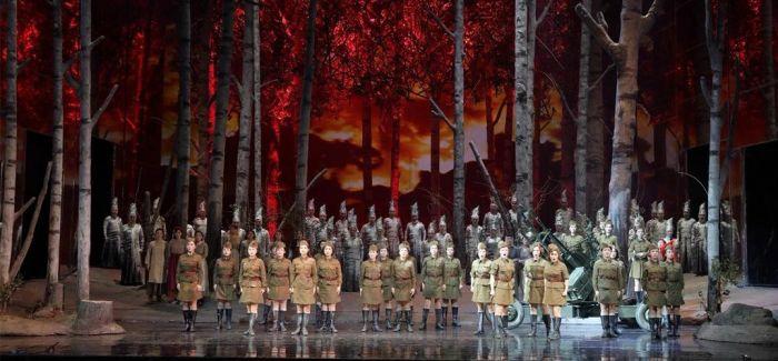 《这里的黎明静悄悄》亮相马林斯基剧院