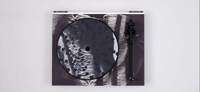 艺术家手里的百变唱片机