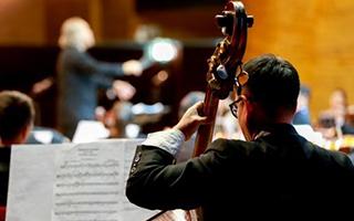 2018中央歌剧院专场演出首入新疆阿克苏