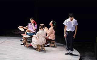 舞台剧《繁花》:爱情的四种模样