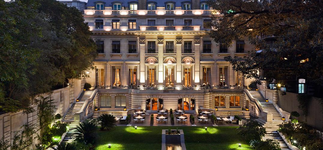 酒店的现代装饰:丰富的原创艺术品